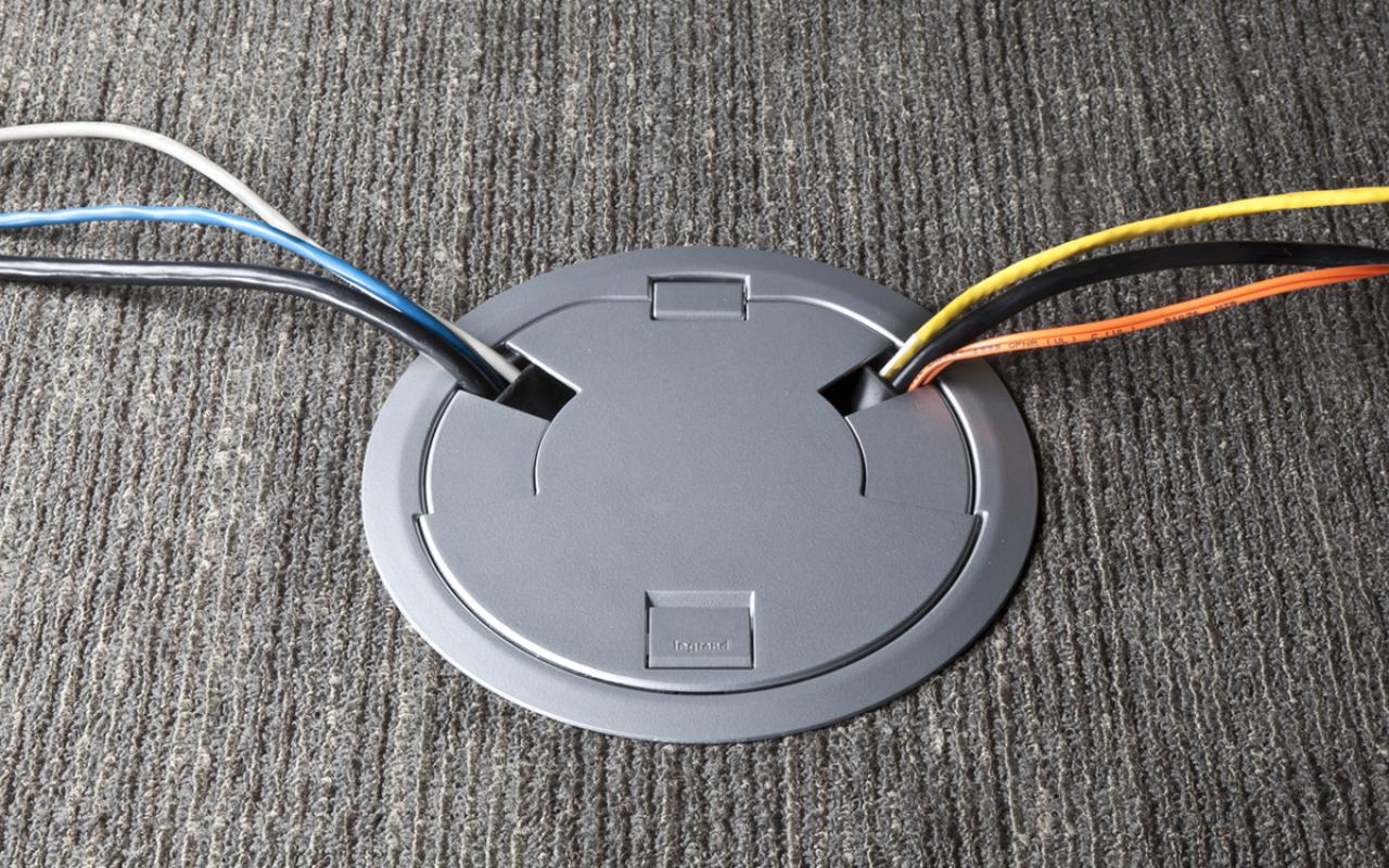 Cajas para instalaciones en piso Wiremold/Legrand